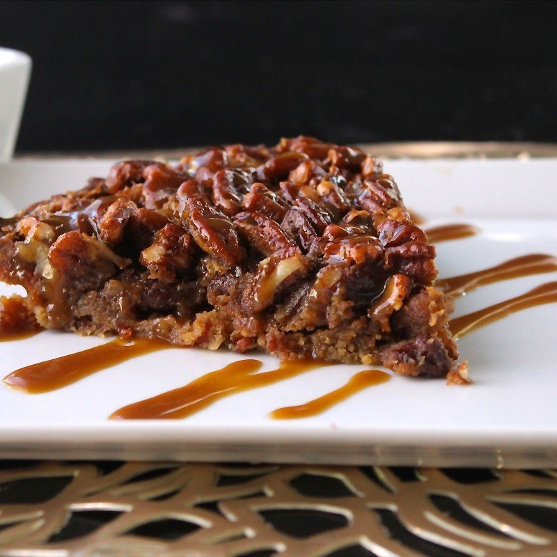 Pecan Pie with Bacon Crust + Caramel Drizzle ...